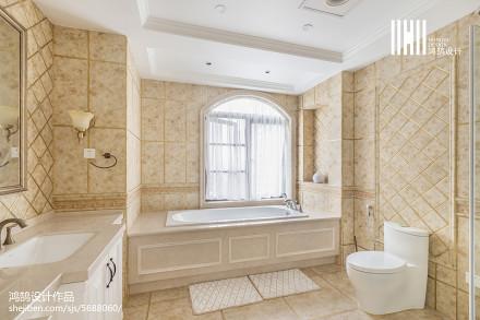 精美美式四居卫生间装修设计效果图