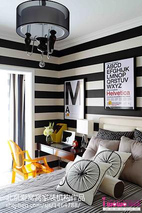 精美现代小户型卧室实景图片