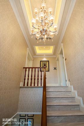 奢华欧式风格楼梯设计案例别墅豪宅欧式豪华家装装修案例效果图