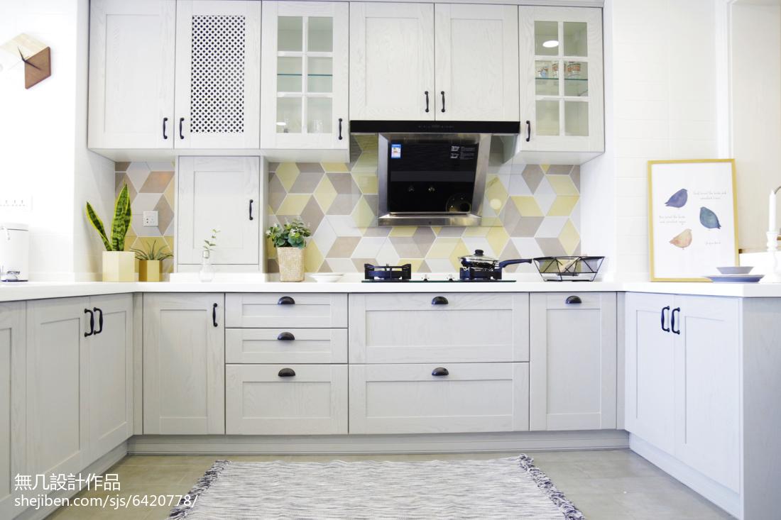 简欧风格四居室橱柜设计餐厅北欧极简厨房设计图片赏析