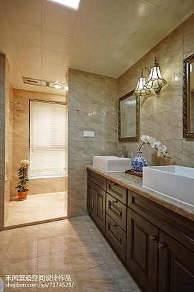 2018面积105平中式三居卫生间欣赏图三居中式现代家装装修案例效果图