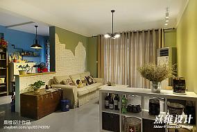 热门大小71平混搭二居客厅效果图片