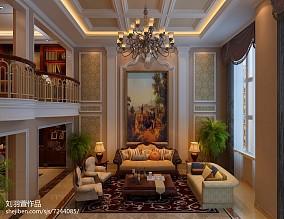 格调小别墅楼梯在客厅图片