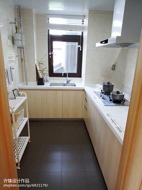 热门107平方三居厨房现代装饰图