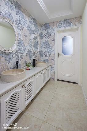 热门118平米欧式别墅卫生间装饰图片欣赏