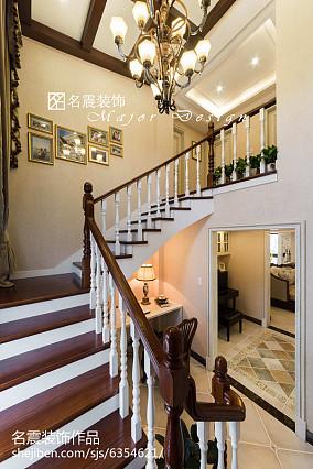 美式格调复式楼梯设计