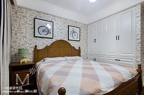温馨115平美式三居效果图欣赏121-150m²三居美式经典家装装修案例效果图