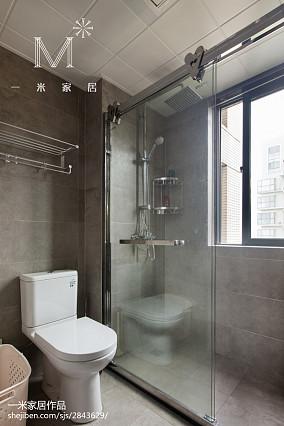精美128平现代三居卫生间布置图