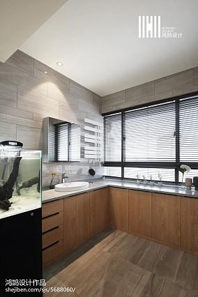 优雅103平现代三居卫生间装修图片101-120m²三居现代简约家装装修案例效果图