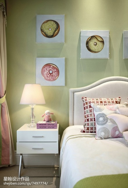 平米三居卧室现代实景图卧室