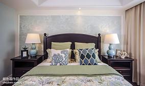 卧室床头柜子图片
