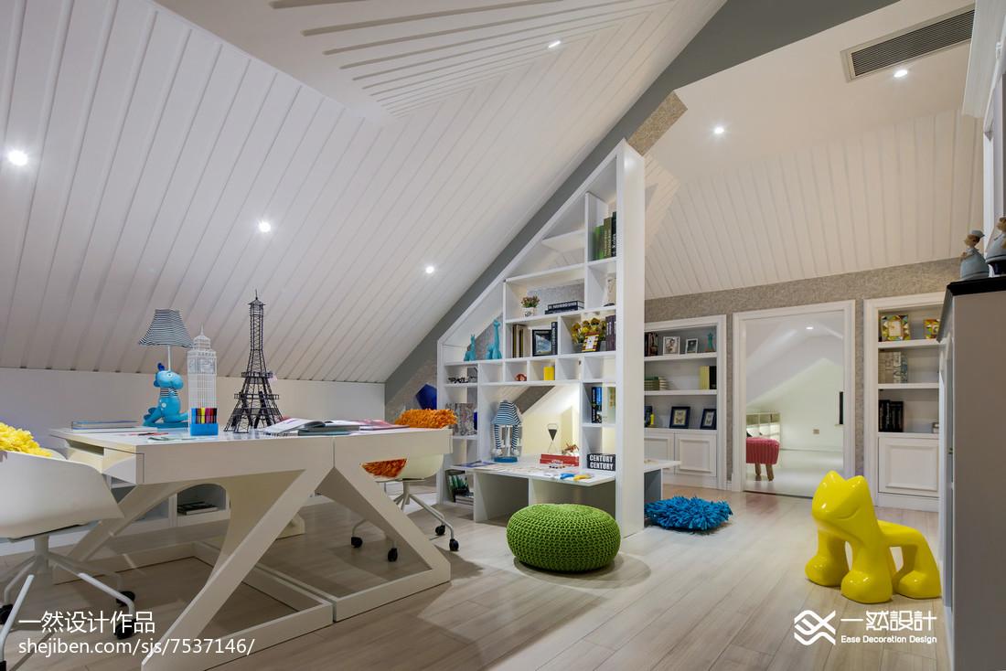 简欧风格白色阁楼设计卧室北欧极简卧室设计图片赏析
