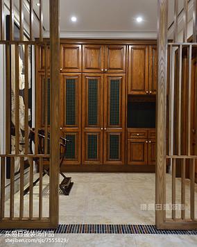 别墅新中式风格衣柜设计