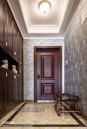 欧式三居室玄关装修方案