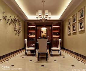 简单客厅顶部装修图