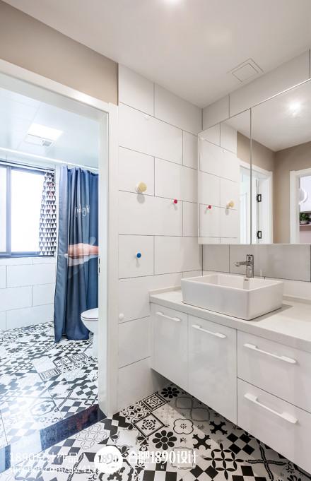 温馨88平简约三居卫生间布置图卫生间