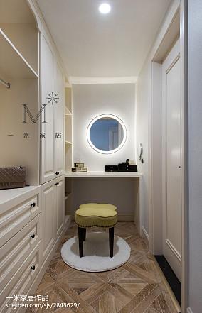 质朴103平美式三居衣帽间装修案例三居美式经典家装装修案例效果图