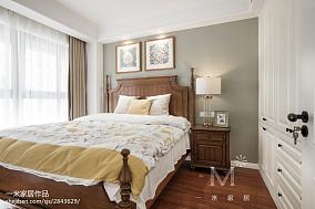 热门81平米二居卧室美式实景图81-100m²二居美式经典家装装修案例效果图