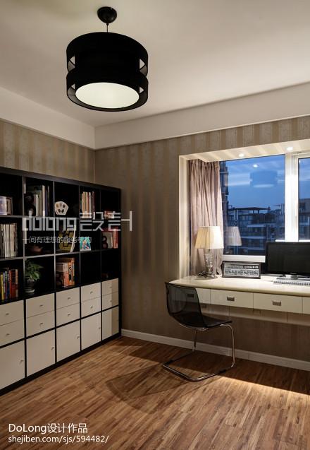 热门121平米四居书房美式实景图片大全151-200m²四居及以上美式经典家装装修案例效果图