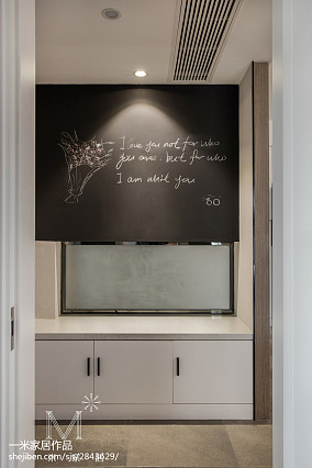 典雅83平现代三居玄关装修案例家装装修案例效果图