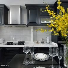 悠雅98平现代三居厨房装修案例