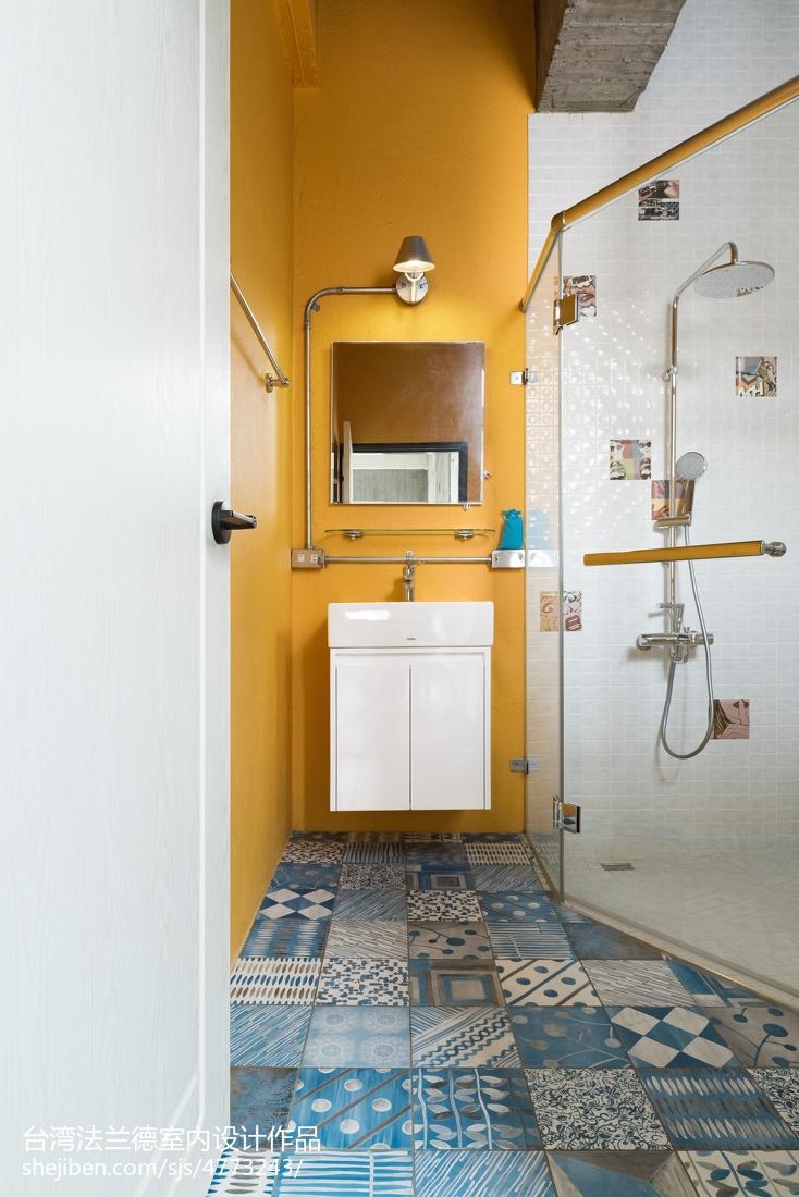 LOFT风格卫浴镜前灯卫生间潮流混搭卫生间设计图片赏析