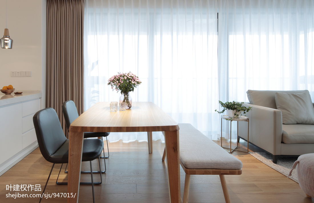 热门90平方三居餐厅现代装修效果图片大全厨房窗帘现代简约餐厅设计图片赏析