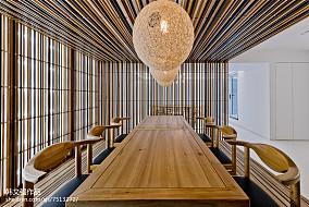 面积133平别墅餐厅现代装修效果图片