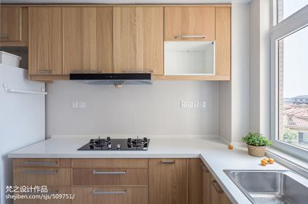 平米三居厨房日式效果图片欣赏餐厅