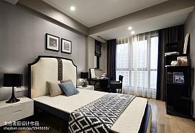 现代四居室卧室装修