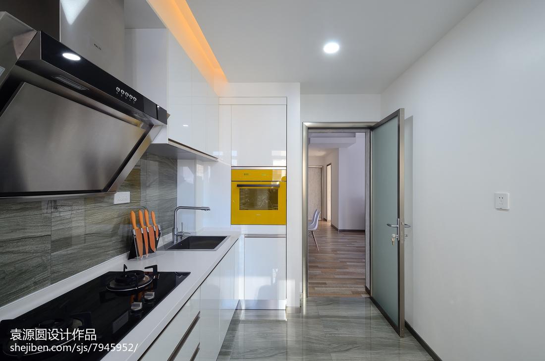 走廊形厨房装修效果图
