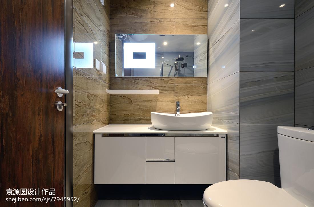 长方形浴室装修效果图