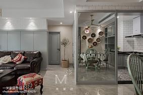 优雅84平美式二居客厅设计美图