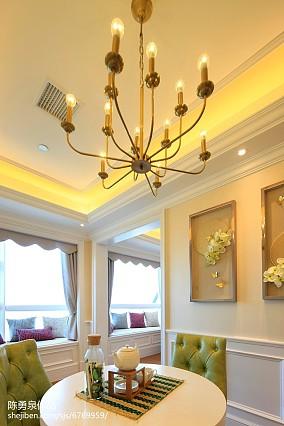 现代风格阁楼客厅效果图