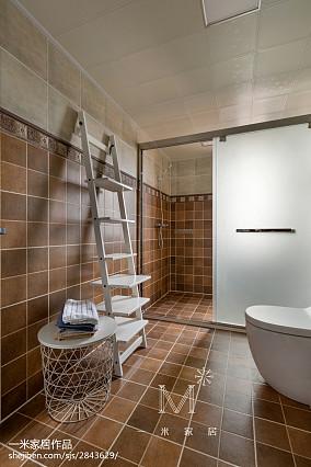 精选104平米三居卫生间美式装修设计效果图片欣赏151-200m²三居美式经典家装装修案例效果图