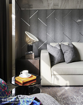暗色系现代客厅台灯设计图