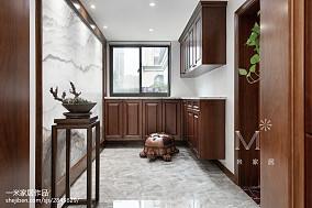 中式四居玄关装修设计效果图片大全四居及以上中式现代家装装修案例效果图