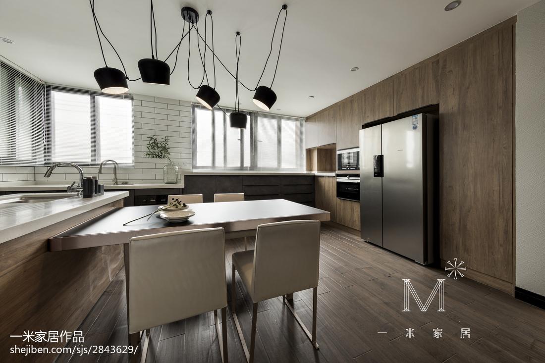 180m²現代風橱柜设计图餐厅木地板现代简约厨房设计图片赏析