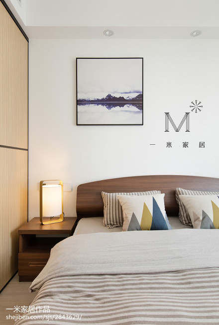 2018精选面积102平现代三居卧室装饰图片大全