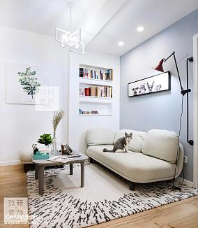2018二居客厅欧式装修实景图片