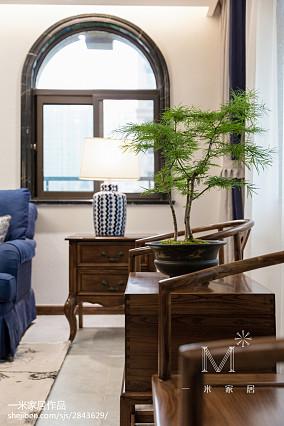 2018面积131平混搭四居客厅装修效果图片大全