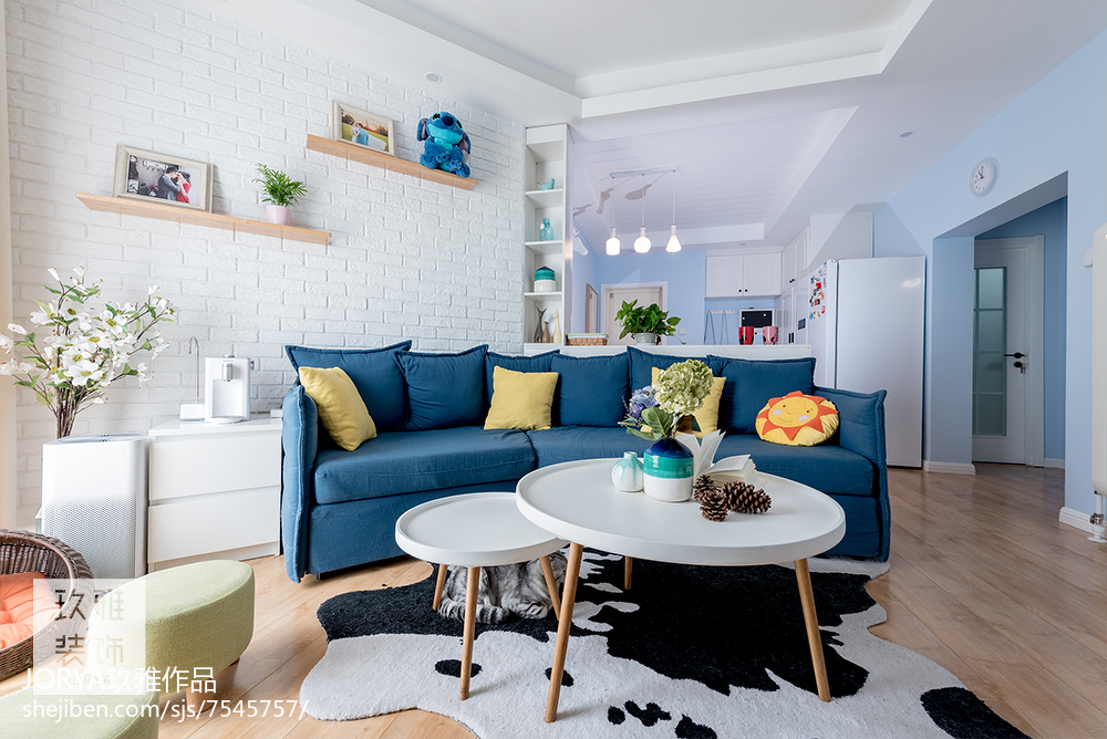 简约二居客厅沙发设计图片