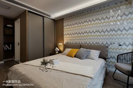 精选大小93平现代三居卧室装饰图片
