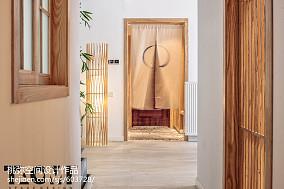 日式风格三居玄关设计图