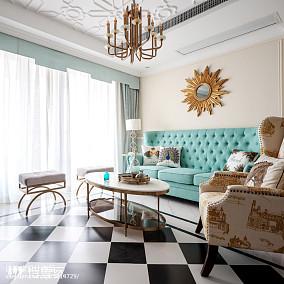 暖色系美式三居客厅设计图