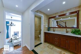 复古美式三居卫浴设计图三居美式经典家装装修案例效果图