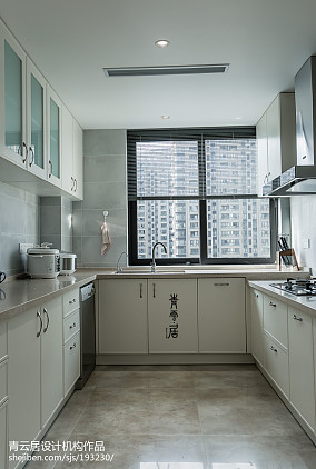 热门面积111平现代四居厨房装修实景图