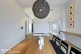 热门121平米现代别墅客厅实景图