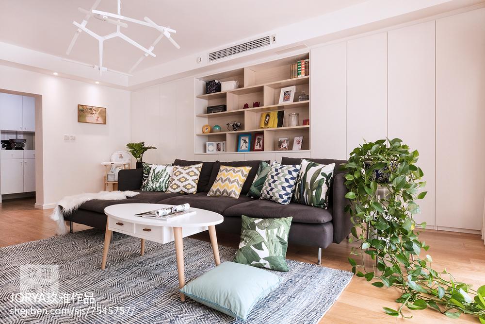 质朴70平欧式二居图片欣赏客厅欧式豪华客厅设计图片赏析