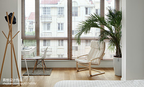 简单日式四居阳台设计图片